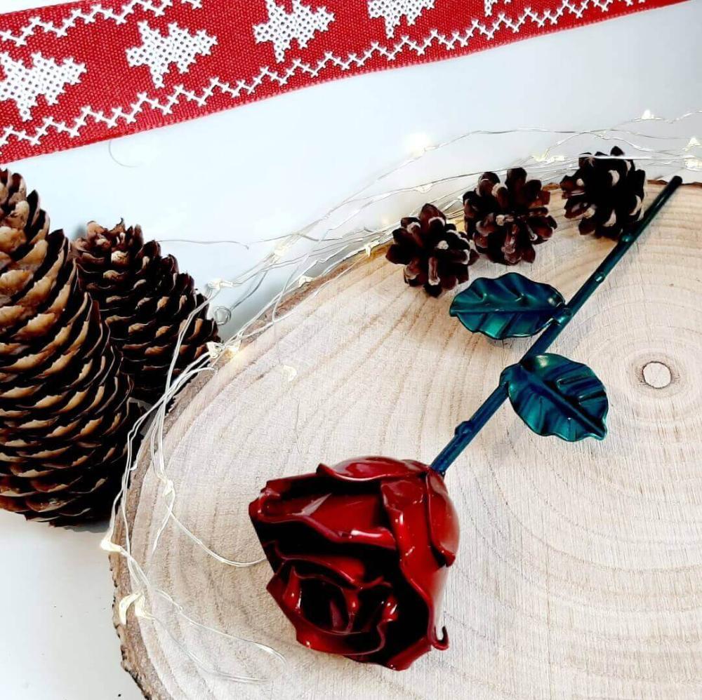 Forging Art Bcn Rosa forjada Roja y Verde