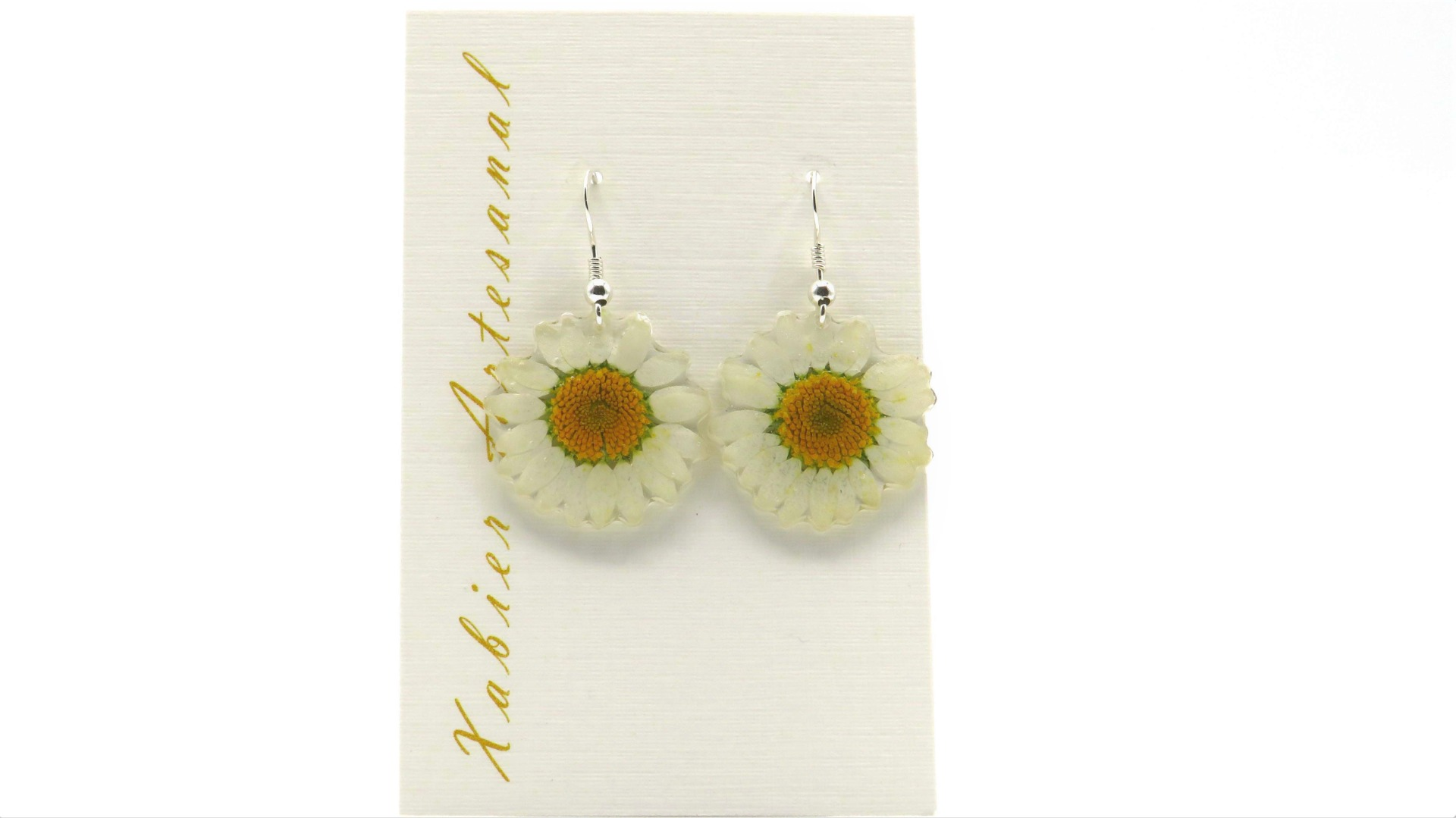 Xabier Artesanal Margaritas White Earrings
