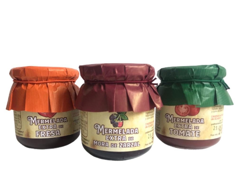 Lote de 6 mermeladas artesanas: 2 botes de mermelada de mora de zarzal + 2 botes de mermelada de fresa +  2 botes de mermelada de tomate