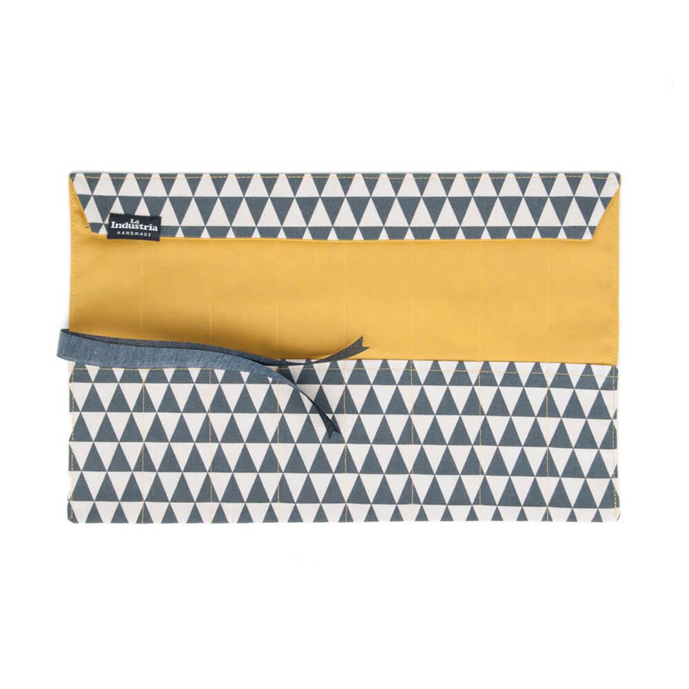 La Industria Handmade Estuche Lapicero enrollable Triángulos